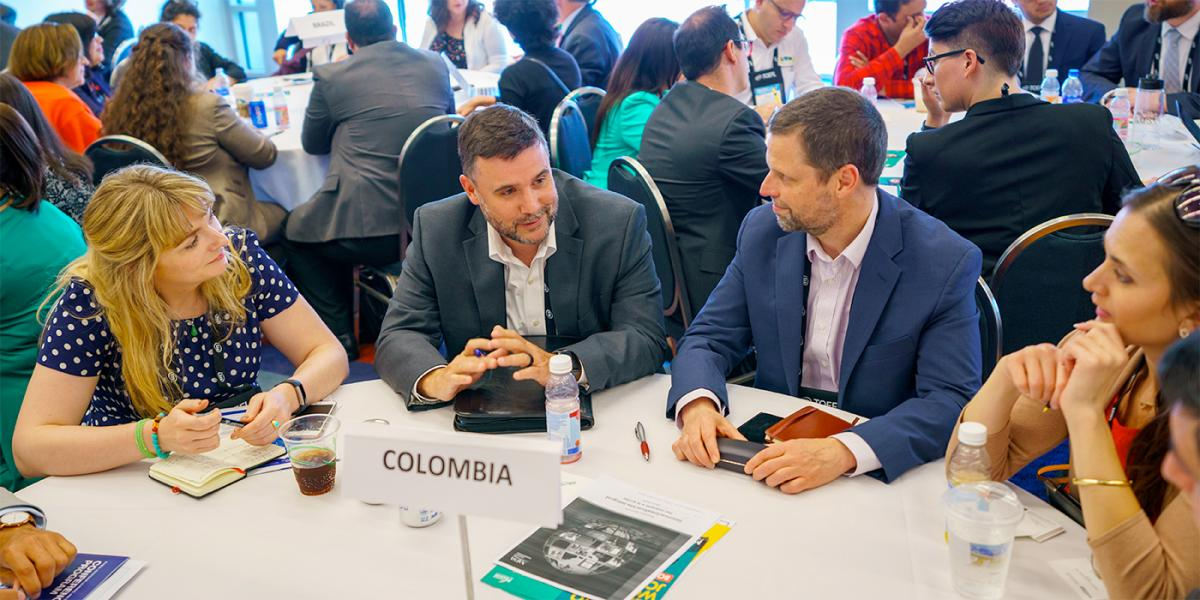 Roundtable discussion at the Latin America Forum